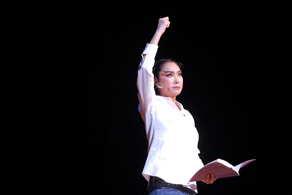 女優:浅野温子氏「日御子 イワレビコとイツセ、東を目指す」